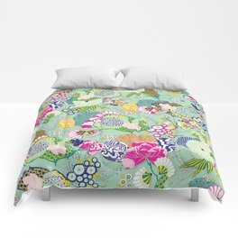 Chinoiserie Decorative Floral Motif Pale Mint Comforters