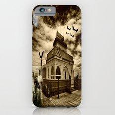 Haunting Family Photo Slim Case iPhone 6s