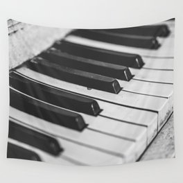 Vintage piano Wall Tapestry