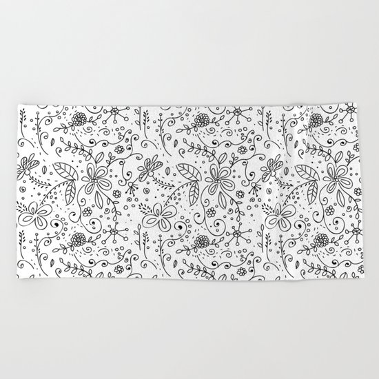 Doodle floral pattern Beach Towel
