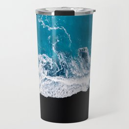 Black sand beach with waves and blue Ocean in Iceland – Minimal Photography Travel Mug