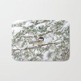 Snowstorm Chickadee Badematte