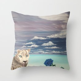 Un regard perçant d'amour Throw Pillow