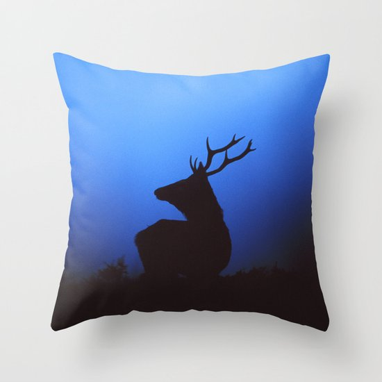 RED DEER AT DAWN Throw Pillow