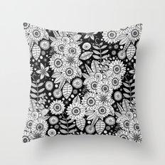 daisy mono pop Throw Pillow