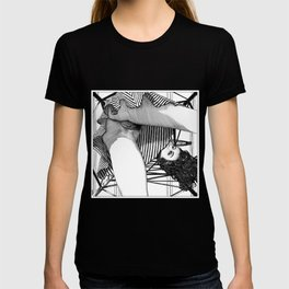 asc 768 - La baronne perchée (The girl who was not afraid of heights) T-shirt