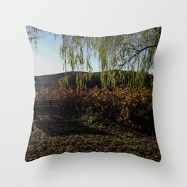 Parc des 4 pins Throw Pillow