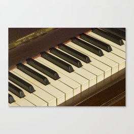 Old Piano Keyboard tilt view Canvas Print