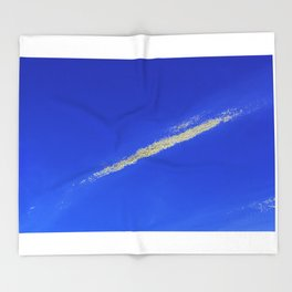 Flash of gold in the sky Throw Blanket