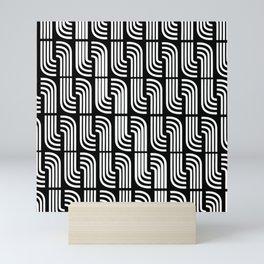 BLANCO SOBRE NEGRO Mini Art Print