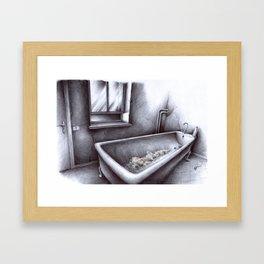 La vasca Framed Art Print