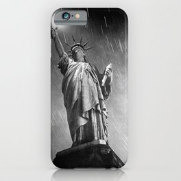 Starry Night, 1940 Statue of Liberty time lapse black and white photograph iPhone Case