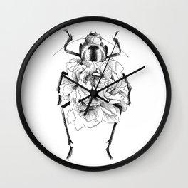 Corazón en flor Wall Clock