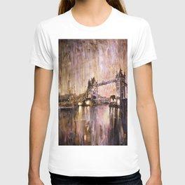 Watercolor painting of Tower Bridge at dusk- London, England T-shirt