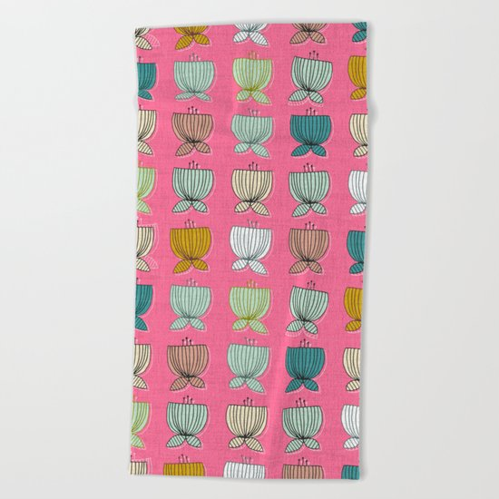 flower cups pink Beach Towel