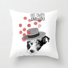 Un chien andalou Throw Pillow
