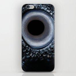Crow's eye - Oeil de corbeau iPhone Skin