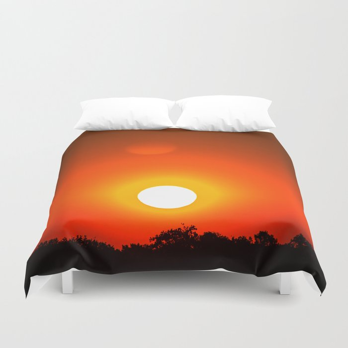 Sunset in red Duvet Cover