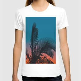 Complementary Colors Orange & Blue Ombre Sunset Minimalist Palm Tree Sunset Silhouette T-shirt