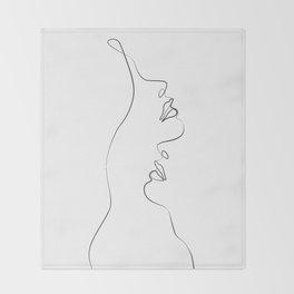 Lovers - Minimal Line Drawing Art Print4 Throw Blanket