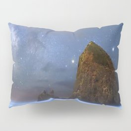 Rocky shore with starry night Pillow Sham