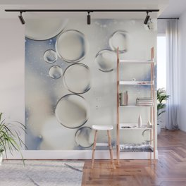 pearlescent water droplets Wall Mural