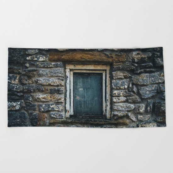 Who's That Peepin' In The Window? Beach Towel