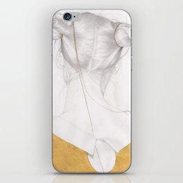 Chemin de nuit iPhone Skin