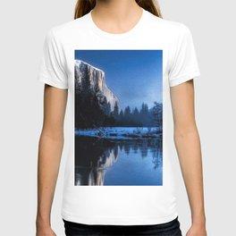 El Capitan Yellowstone Winter Landscape T-shirt
