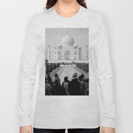 Taj Mahal with people Long Sleeve T-shirt