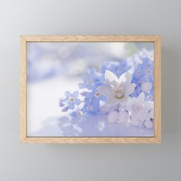 Queen and court- Spring flowers in blue and white - Stilllife Framed Mini Art Print