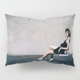 top model with hat Pillow Sham