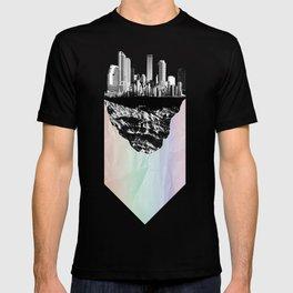 þar á bak við hæðirnar T-shirt