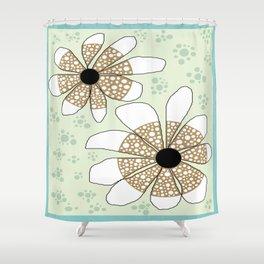 FLOWERY CARMEN  / ORIGINAL DANISH DESIGN bykazandholly Shower Curtain