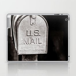 Who does US mail Laptop & iPad Skin