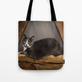 Cat on tree Tote Bag