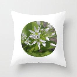 bear´s garlic bloom II Throw Pillow