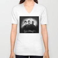derek hale V-neck T-shirts featuring Hale Pack Boys by Finduilas