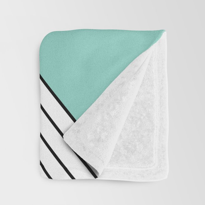 MINIMAL COMPLEXITY Throw Blanket