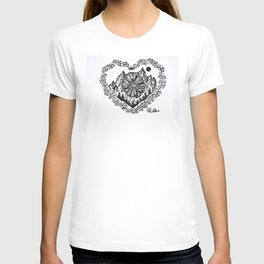 """Heart in the Highlands"" Scotland, Scottish Art, Irish Artwork, Celtic Decor T-shirt"