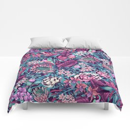 Stand Out! (electric blue) Comforters