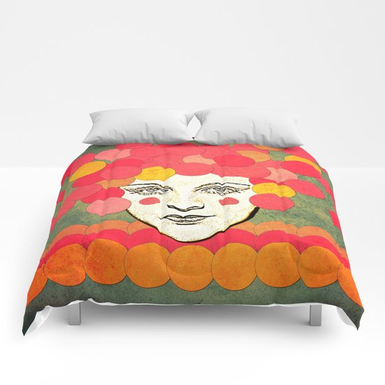 messed face Comforters