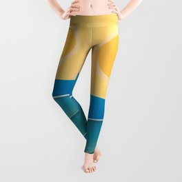The sun comes and goes but the waves remain Leggings