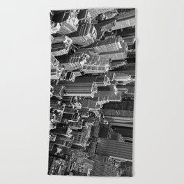 Manhattan in monochrome Beach Towel