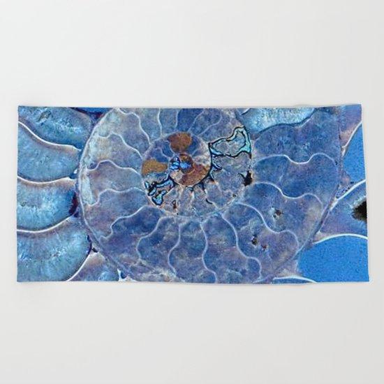 Blue seashell -mother-of-pearl - Beautiful backdrop Beach Towel