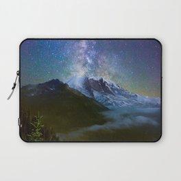 Milky Way Over Mount Rainier Laptop Sleeve
