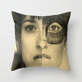 DAKOTA JOHNSON / ANASTASIA STEELE - FIFTY SHADES DARKER Throw Pillow