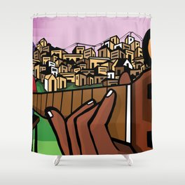 Favela ao fundo Shower Curtain