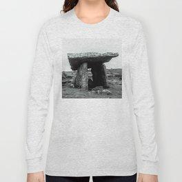 The Poulnabrone Dolmen - Ireland Long Sleeve T-shirt