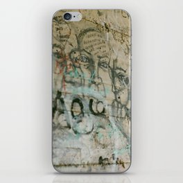 walk dell amour iPhone Skin